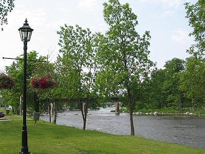 Le parc / Village park (Rivière du Nord)