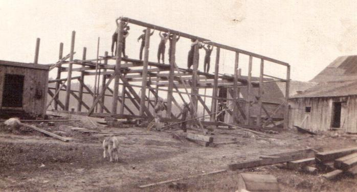 Barn raising, Rawdon, c.1912. (Photo - courtesy of Beverly Prud'homme)