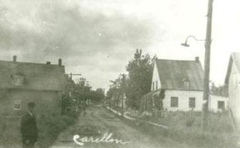Le village / The village