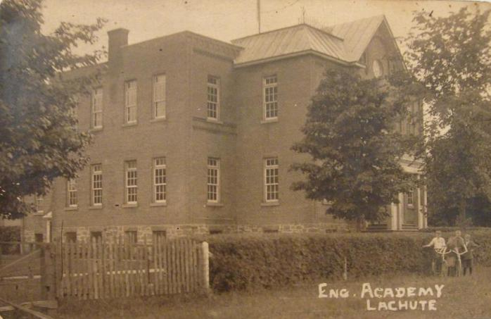 Académie anglaise, Lachute, vers 1910 / English Academy, Lachute, c.1910