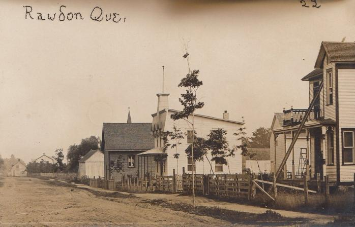 Ancienne carte postale photographique. / Early photographic postcard.