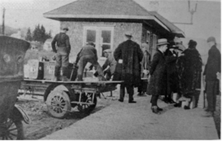 Train Station and Passengers, Morin Heights, c.1920s-30s. (Photo - courtesy of MHHA)