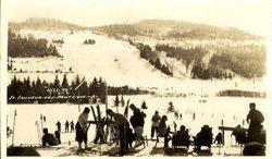 Ski Mont Saint-Sauveur, v.1940 / Mount Saint-Sauveur Ski Resort, c.1940